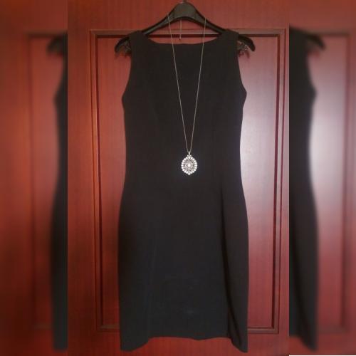 robe noire femme classique